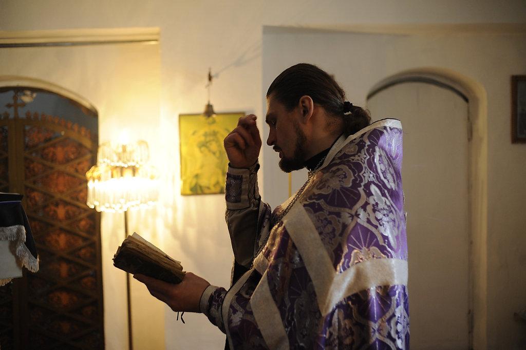 03-priest-boxer-Mordasov.JPG