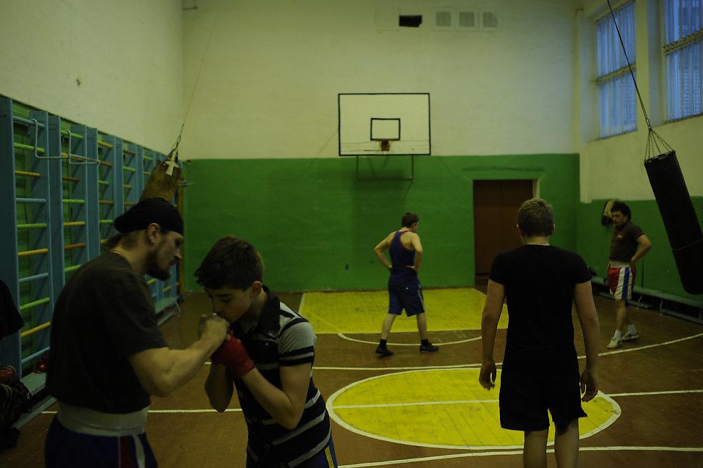 04-priest-boxer-Mordasov.JPG